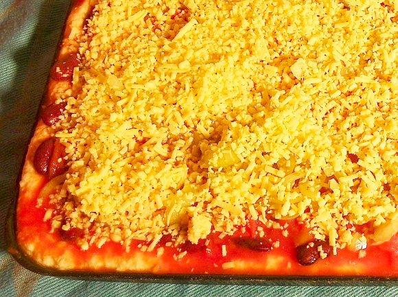 Mexikanische Pizza mit veganem Käse